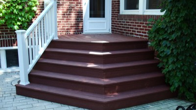 Deck-Construction-Composite-Stairs-After-001-07092010 feature