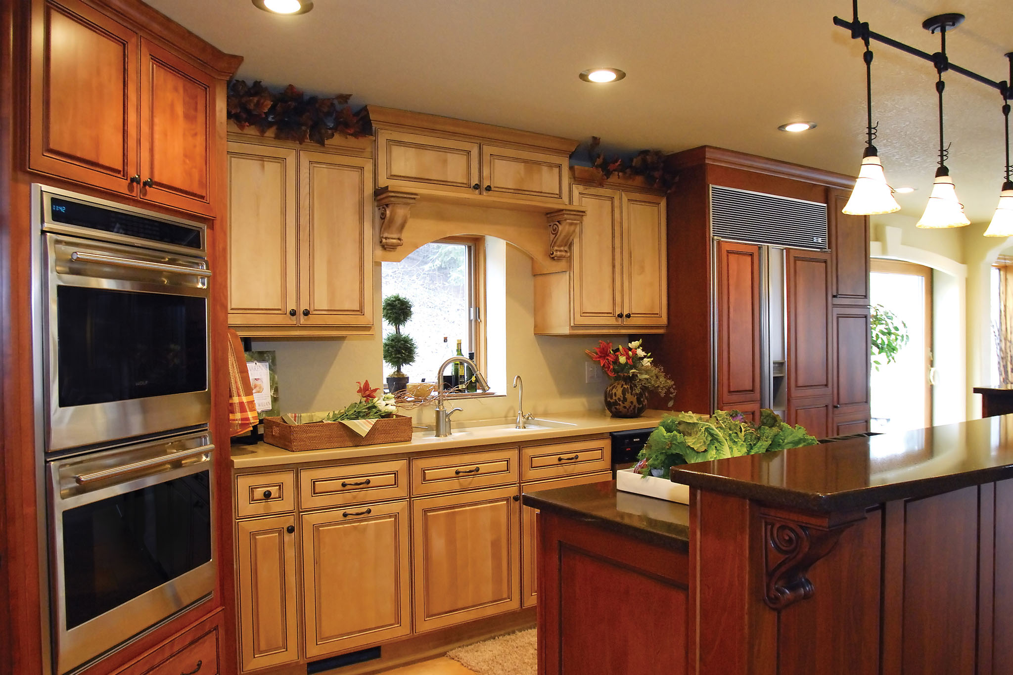 Http Haloconstructionservices Com Portfolio Two Tone Traditional New Lenox Kitchen Remodel